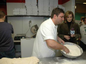 Mama Lenas Making Pizza
