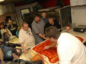 Mama Lenas Worlds Largest Pizza
